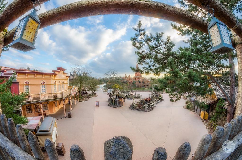Photos de Disneyland Paris en HDR (High Dynamic Range) ! - Page 7 A%20View%20To%20Frontierland-XL
