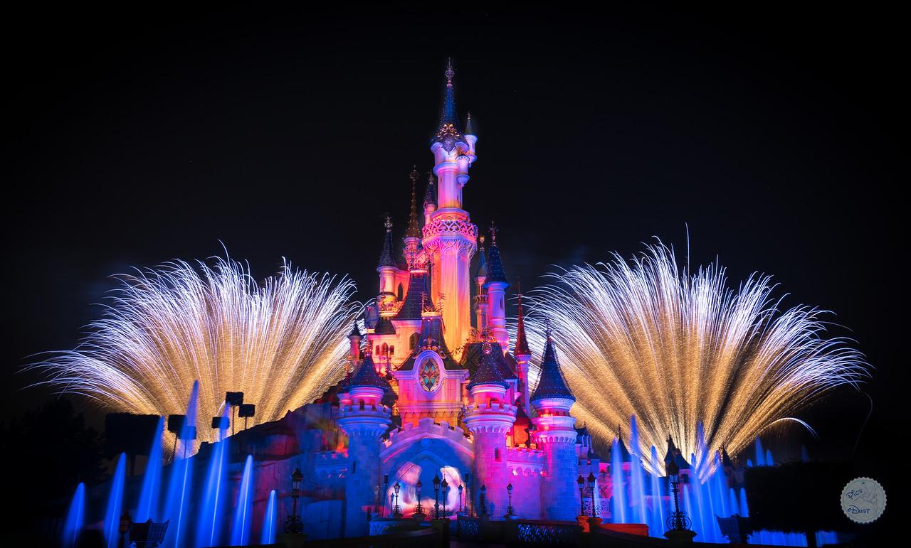 Photos de Disneyland Paris en HDR (High Dynamic Range) ! - Page 6 I%20See%20The%20Light-X2